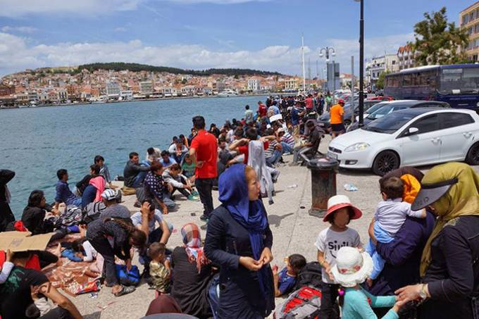 Πόσα πληρώνει κάθε μέρα το ελληνικό κράτος για τους λαθρομετανάστες;