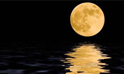 Η ατμόσφαιρα της Σελήνης περιέχει πολύ νέον λένε οι επιστήμονες