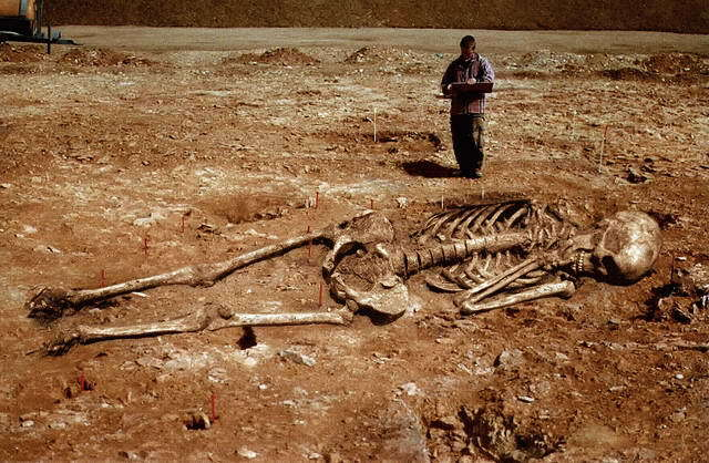 Γιατί προσπαθούν να αποκρύψουν την ύπαρξη γιγάντων στην αρχαιότητα;