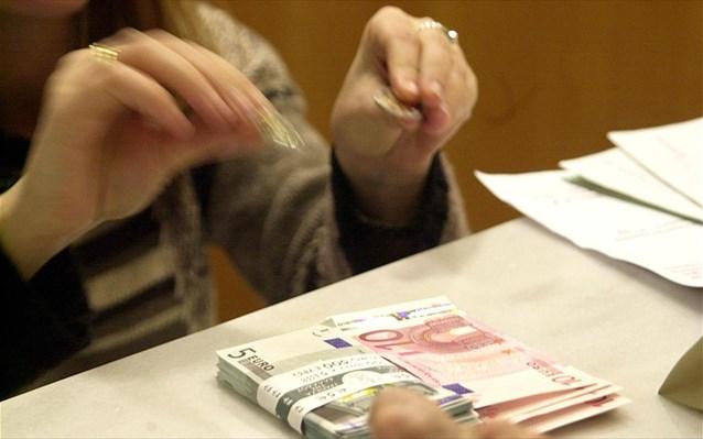 Ξεσκόνισμα των λογαριασμών θα κάνουν οι εφορίες τις επόμενες μέρες