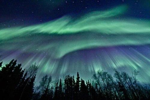 Παγκόσμιο ΣΟΚ: Ηλιακός άνεμος φέρνει στη Γη μαγνητική θύελλα
