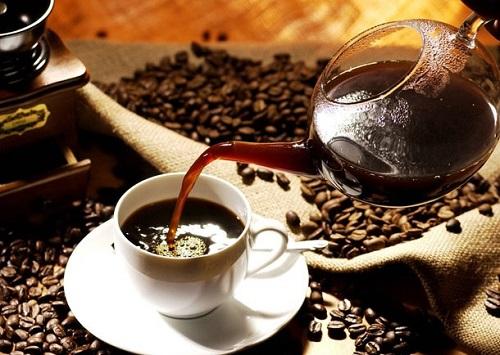 Ο καφές τελικά βοηθάει να φύγει το μεθύσι;