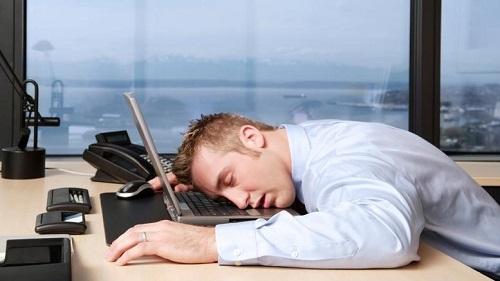 Κοιμάσε αργά; Τότε εχεις πολλές πιθανότητες να πάρεις βάρος