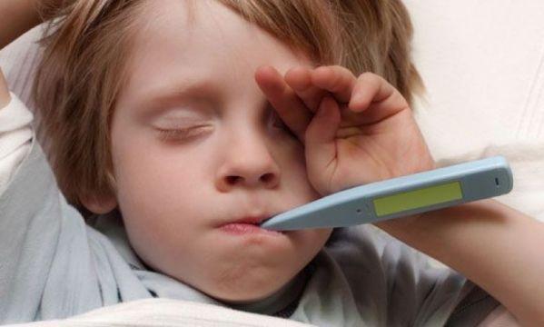 Δώστε προσοχή στον πονόλαιμο του παιδιού σας