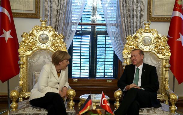 Άξονας Βερολίνου – Άγκυρας εναντίον Ρωσίας – Κύπρου και Ελλάδος!!