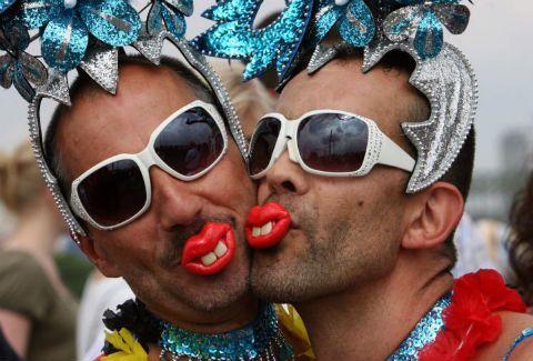 ΟΙ Σλοβένοι λένε οχι στους ντιντήδες στο δημοψήφισμα που εγινε για τον γκέι γαμο