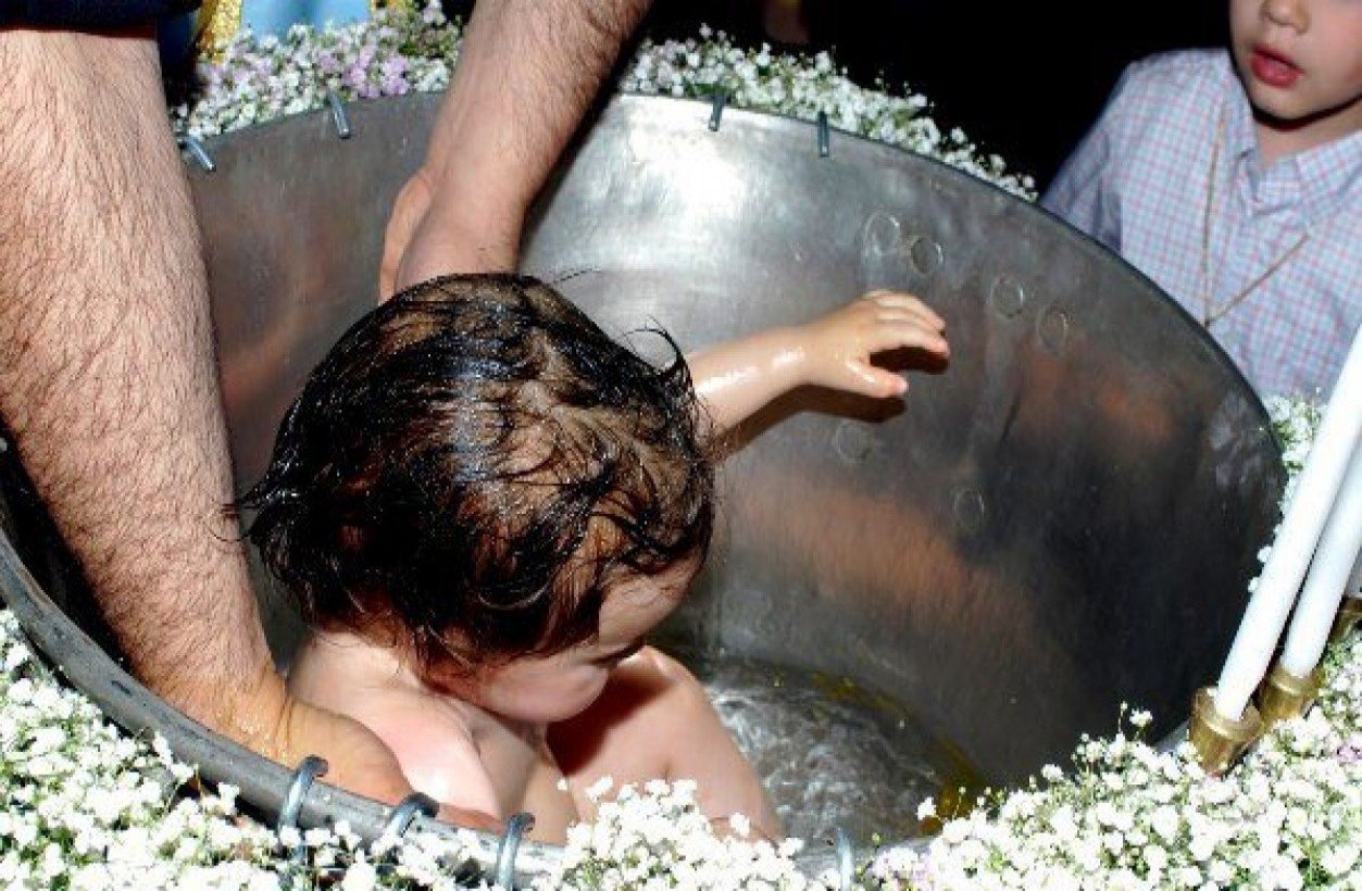 Θα απαγορεύονται οι βαπτίσεις νηπιών..Ποινικό αδίκημα σύμφωνα με την Ευρωπαική ένωση η βάπτιση από το 2017