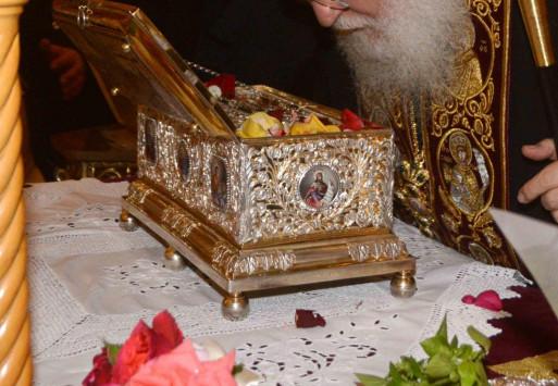 Κοσμοσυροή! Χιλιάδες πιστοί για την Αγία ζώνη της Παναγίας στην Καλαμαριά!