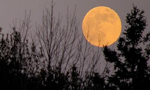 Νέα χρονιά με σούπερ Σελήνη