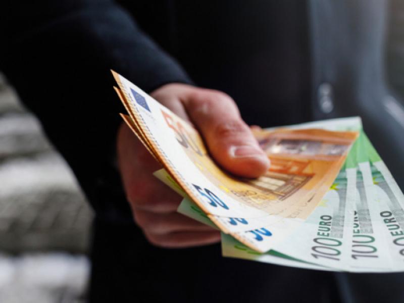Οι αιτήσεις στο σύστημα ΕΡΓΑΝΗ γίνονται σύμφωνα με τον λήγοντα του ΑΦΜ για τα 800 ευρω
