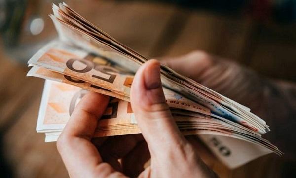 Ξεκινά ο δεύτερος γύρος πληρώμων για το επίδομα των 800 ευρώ