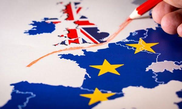 Τι αλλάζει για τους Ελληνες που εργάζονται και σπουδάζουν στη Μεγάλη Βρετανία