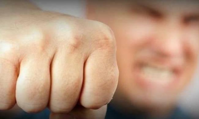 Αρνητής του κοροναϊού γρονθοκόπησε άνδρα της δημοτικής αστυνομίας στο Ηράκλειο