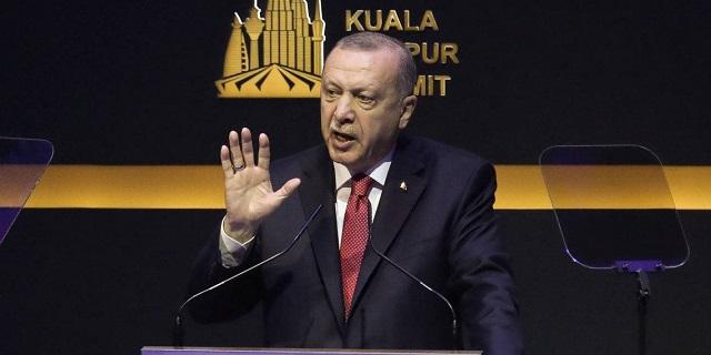 Ο Ερντογάν κατηγορεί ως «τρομοκράτες» τους φοιτητές που… χαλούν τα σχέδιά του