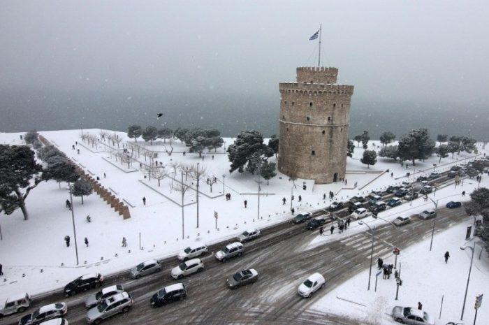 Ντυμένη στο χιόνι η Θεσσαλονίκη