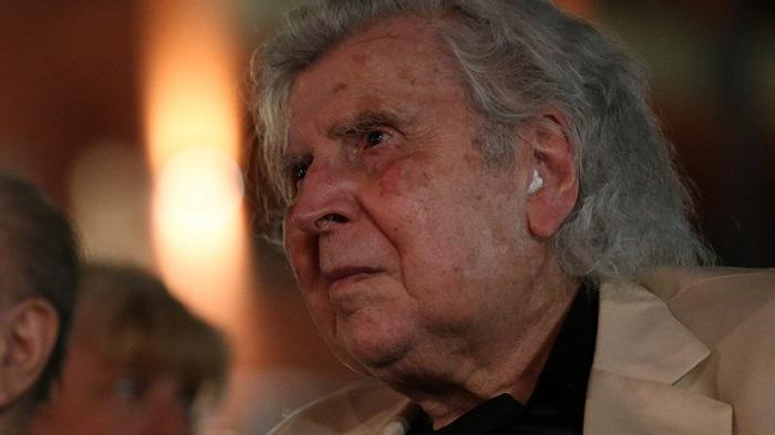 Μίκης Θεοδωράκης: Σε λαϊκό προσκύνημα από σήμερα η σορός του στη Μητρόπολη